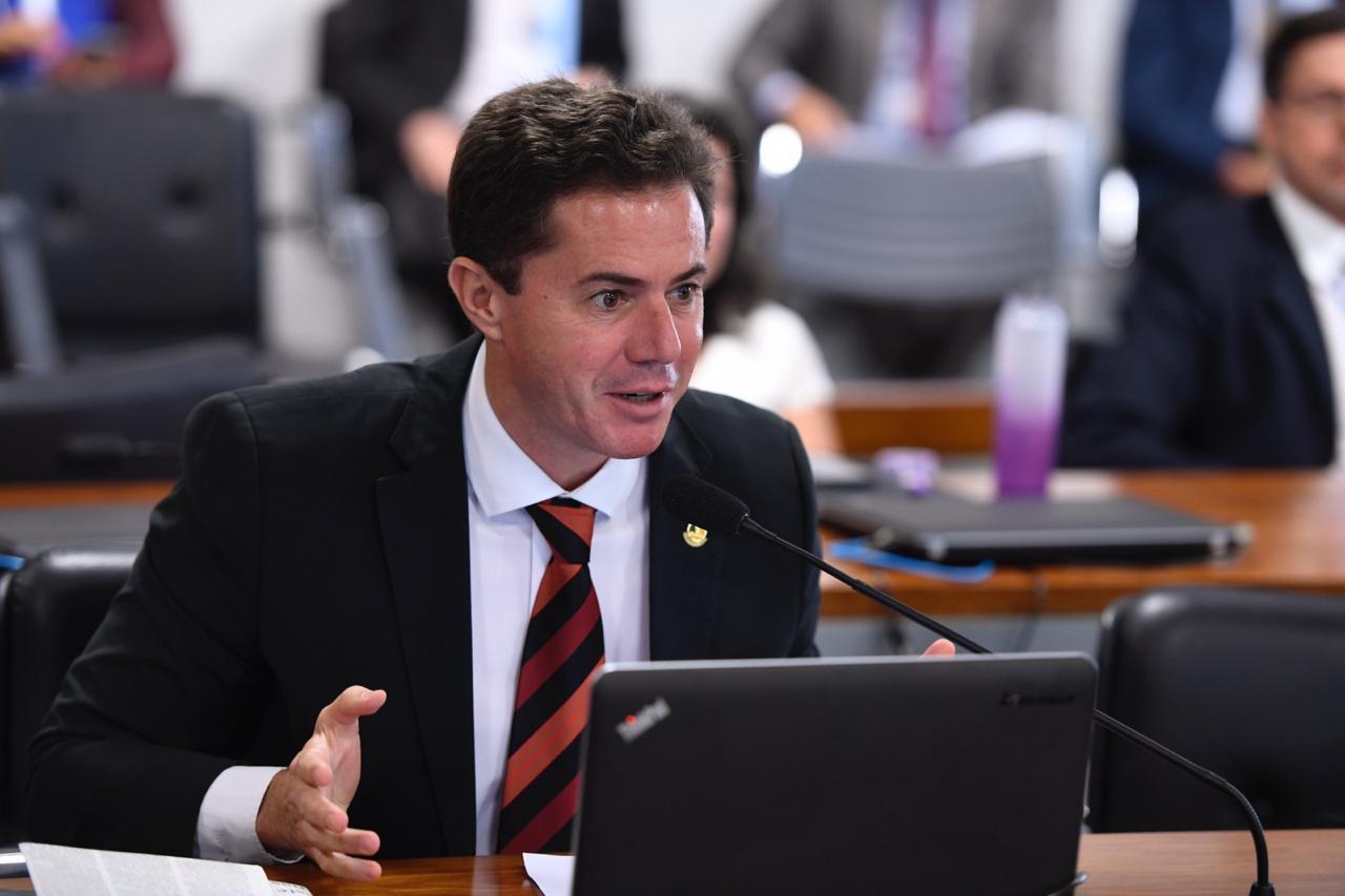 WhatsApp Image 2020 03 03 at 11.37.21 1 - Senador Veneziano apresenta projeto que obriga administração pública a gravar todos os atos de uma licitação em áudio e vídeo