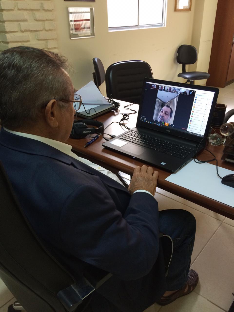 WhatsApp Image 2020 03 20 at 15.34.10 1 - EXCLUSIVO: senador Maranhão descreve 'forte gripe', usa máscara ao receber visitas e reforça cuidados com saúde