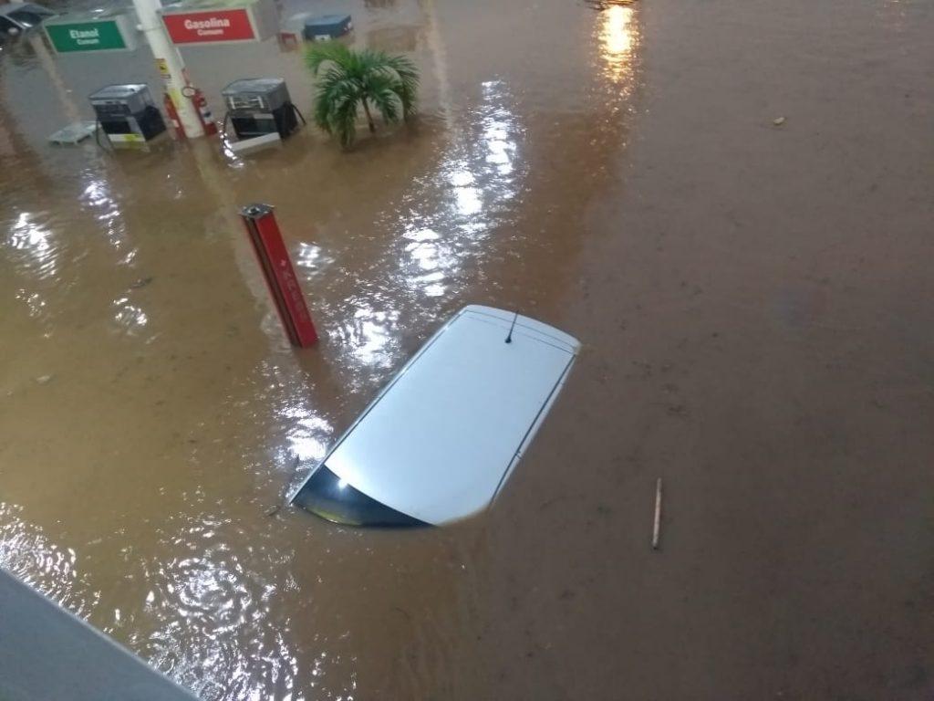 WhatsApp Image 2020 03 23 at 06.42.53 1024x768 1 - TUDO ALAGADO: chuva forte causa estragos em cidade sertaneja - VEJA IMAGENS