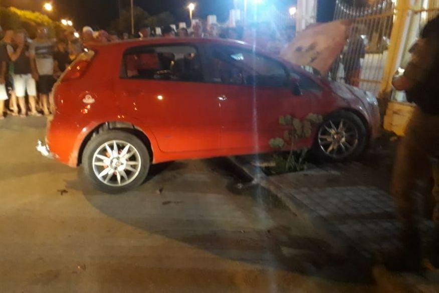 atentado brejo do cruz - Três homens são mortos a tiros dentro de carro, em Brejo do Cruz