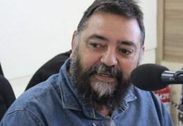 Eduardo apresenta voto de pesar pela morte do humorista Marcello Piancó