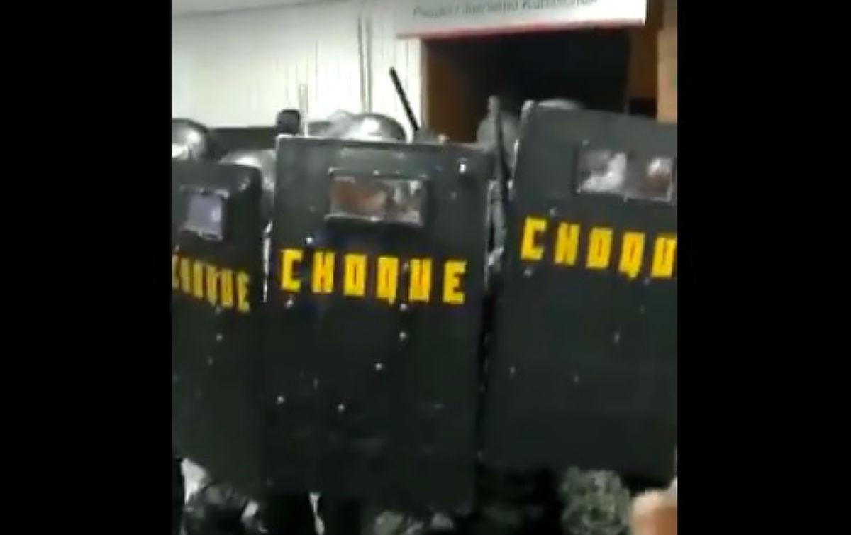 choque alesp - Tropa de Choque agride servidores durante protesto contra reforma da previdência em São Paulo - VEJA VÍDEO