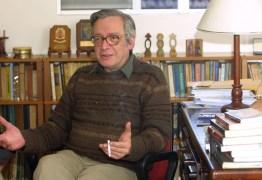 Olavo de Carvalho afirma que não há pandemia de coronavírus – VEJA VÍDEO