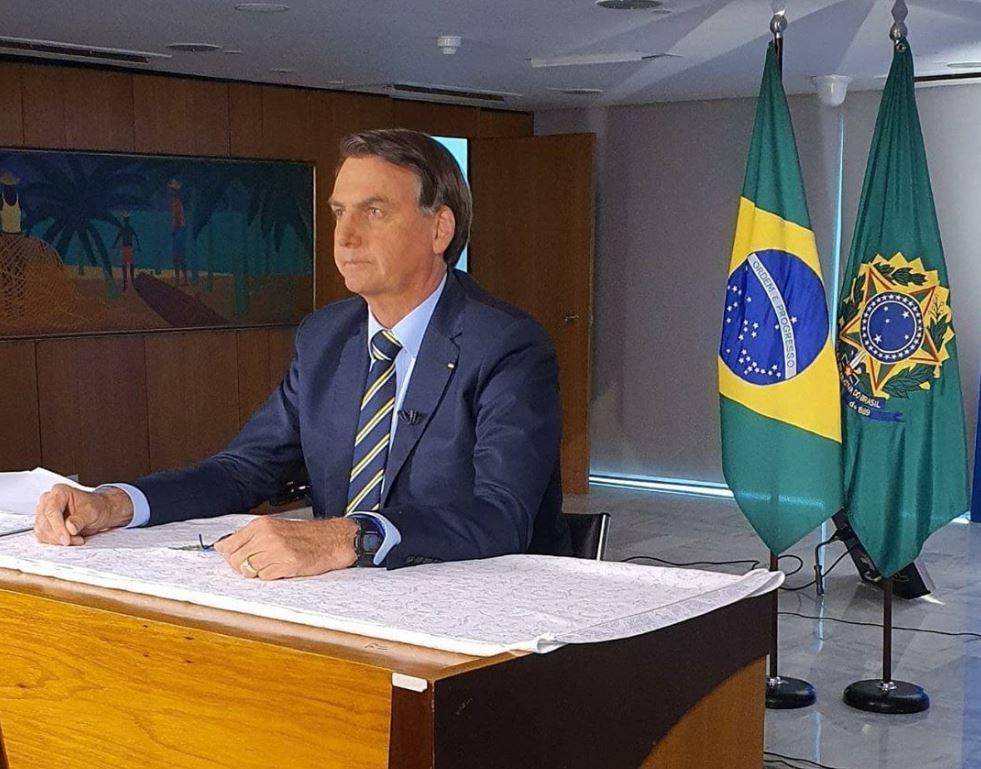 ATACANDO A IMPRENSA: Discurso comparando coronavírus a 'resfriadinho' foi composto por Carlos Bolsonaro e Gabinete do Ódio
