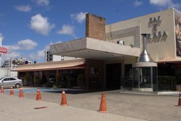 TODOS DEMITIDOS: Sal e Brasa declara que fechará unidade e não paga multa de 40% devido a isenção da 'calamidade pública' do coronavírus