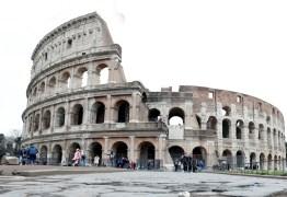 Itália põe um quarto do país em quarentena e ordena fechamento de cinemas, teatros e museus