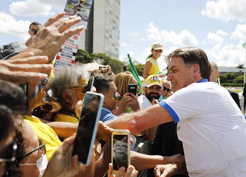 """image processing20200315 5121 xsvlwl - Se o povo aparecer, eu vou lá pra frente de novo"""", afirma Bolsonaro após críticas por ter participado de ato"""