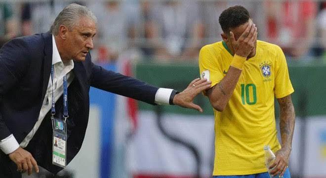 Tite diz que Neymar não é insubstituível e que seu auge foi no Barça