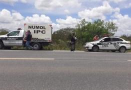 PERNAS QUEBRADAS E SEM SINAIS DE FRENAGEM: Jovem é encontrada morta às margens da BR-230
