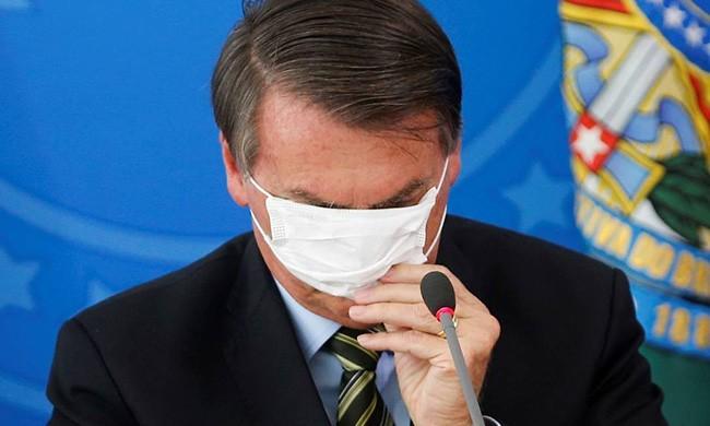mascarado - Gripezinha, histeria... Relembre momentos em que Bolsonaro minimizou o coronavírus