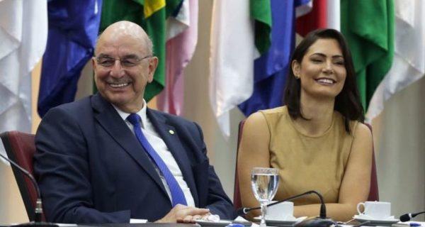 COLUNISTA DIZ QUE MICHELE BOLSONARO TINHA CASO: Demissão de ministro Osmar Terra foi motivada por ciúmes
