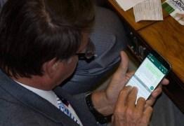 Bolsonaro responde editorial da Folha de São Paulo que pede seu afastamento