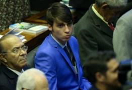 Namoro do filho de Bolsonaro investigado pela PF não tinha relevância para caso Marielle