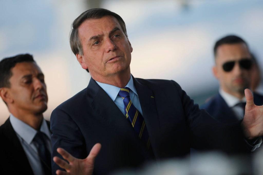 15856937275e83c41fdd7ad 1585693727 3x2 xl 1024x683 - No Dia da Mentira, veja frases ditas por Bolsonaro desde a posse