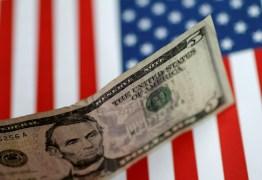 Dólar abre em alta e bate R$ 5,60 em meio à tensão sobre destino de Moro