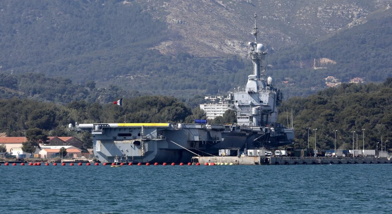 2020 04 16t144321z 201267350 rc2q5g9pkemp rtrmadp 3 health coronavirus france navy - PANDEMIA: Mais de 900 marinheiros em porta-aviões francês estão infectados