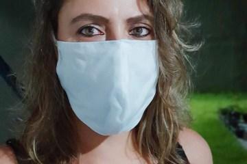 Máscaras caseiras podem reduzir transmissão da COVID-19, mas especialista teme que elas encorajem quebra de isolamento