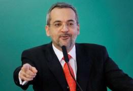"""Embaixada da China rebate declarações de Weintraub: """"Completamente absurdas e desprezíveis"""""""