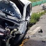 CARRO DESTRUIDO 05 04 2020 - Carro cai de viaduto após bater em poste na BR-230, em João Pessoa