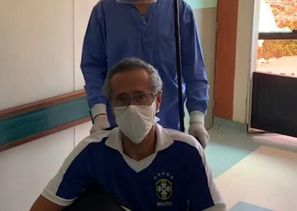 Capturartç - Emocionado, médico Walter Luiz Bandeira afirma que está curado da Covid-19 - VEJA VÍDEO