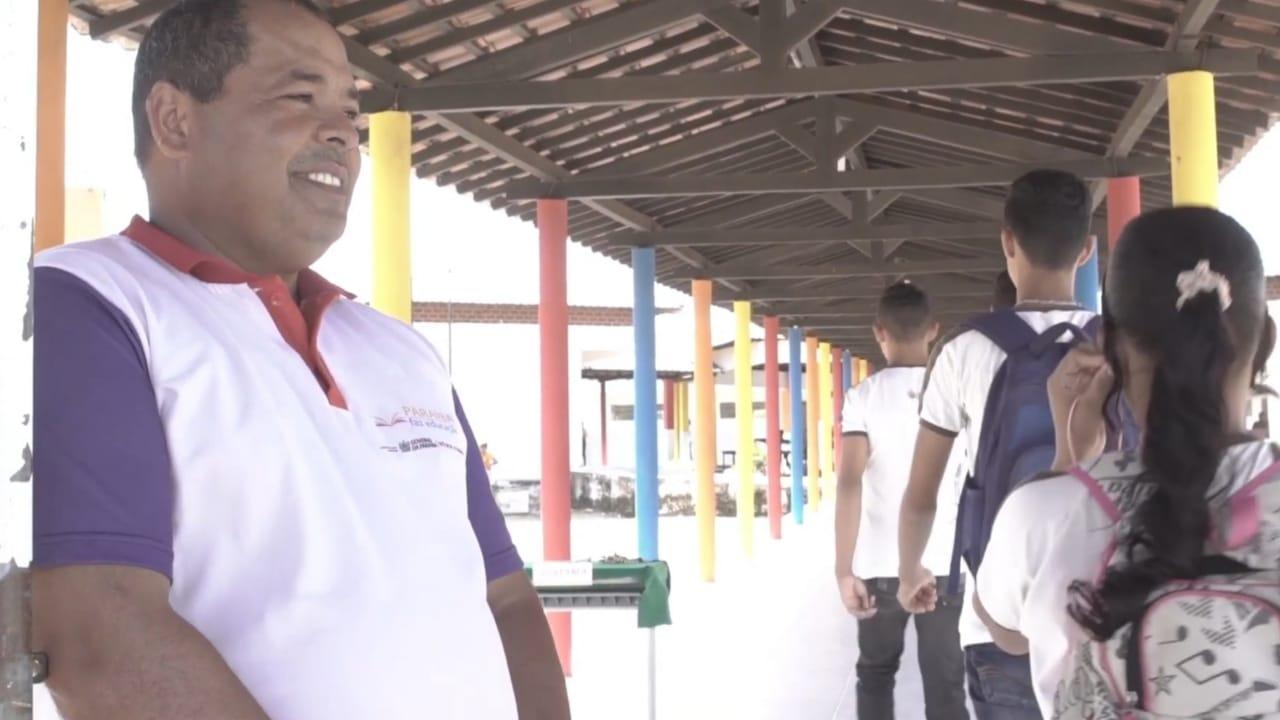 Dia do Índio Cacique Pedro Grizol  funcionário Ecos 2 - Ecos atua na valorização da cultura indígena em escolas da PB - VEJA VÍDEO