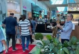 Após quarentena, shopping reabre com aglomeração e apresentação musical – VEJA VÍDEO