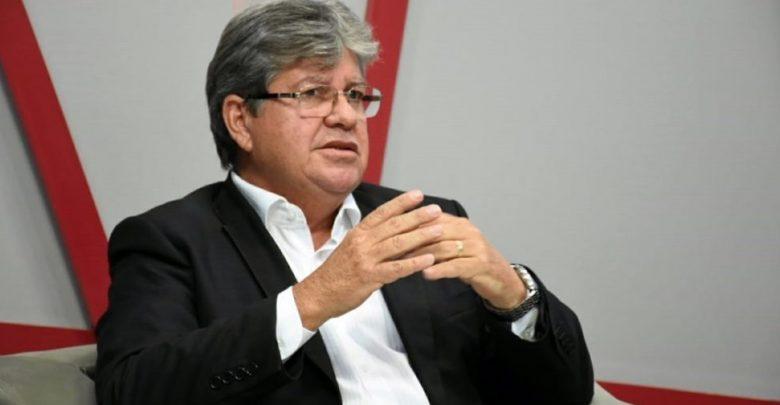 Joãoo - João Azevêdo sanciona lei que proíbe despejo, corte de água, luz, e telefone durante período de pandemia