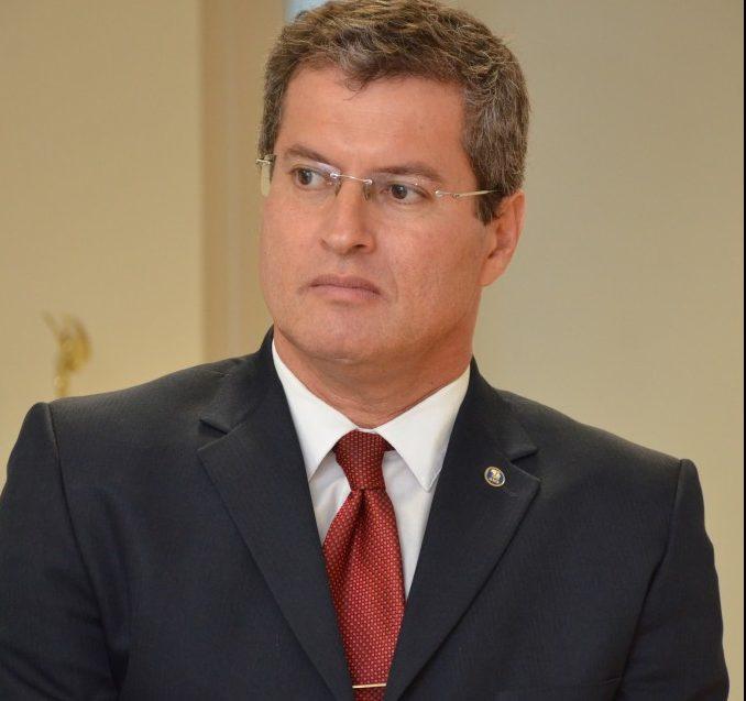 Juiz Ricardo da Silva Brito 26 09 16  1 e1586805666351 - Justiça determina aos planos de saúde liberação de carência nos casos de contágio pela Covid-19
