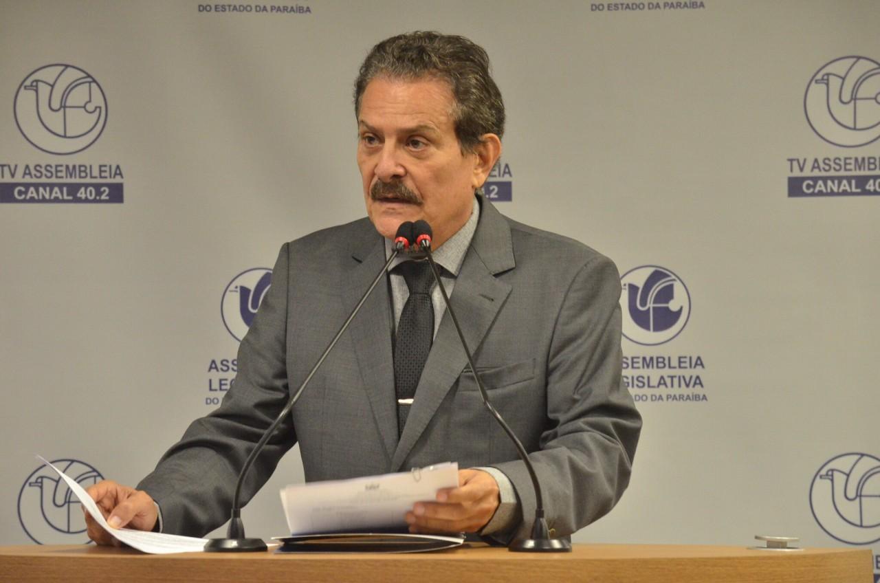Tião Gomes - Prefeitura de Areia possui cerca de R$ 7 milhões disponíveis, mas não investe em ações no combate à Covid-19 diz deputado