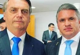 'O dia em que Bolsonaro chorou por Moro' – Revista Veja entrevista Julian Lemos e traz detalhes da sua convivência com o atual presidente