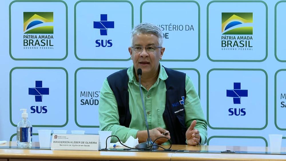 a1551 g coletiva coronavirus - DEBANDADA: Secretário Wanderson de Oliveira, do Ministério da Saúde, pede demissão
