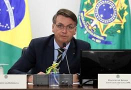 Bolsonaro critica decisão de Alexandre de Moraes e afirma que 'não será feito de refém'