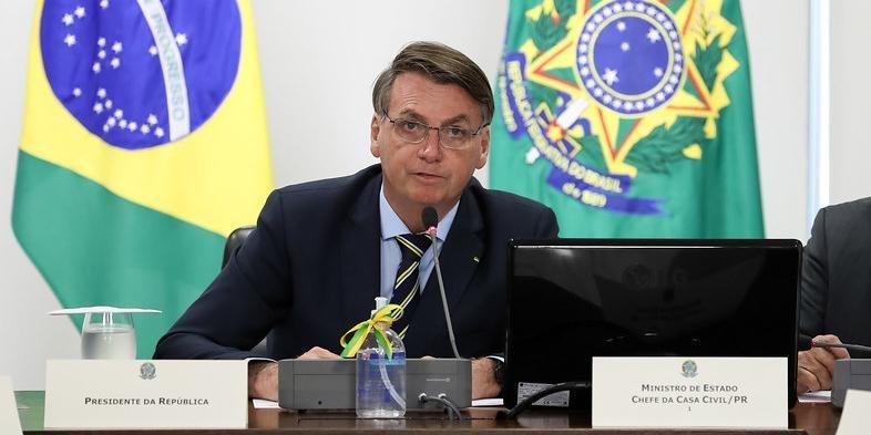 bolsonaro 2 - Bolsonaro critica proposta de governadores do Nordeste para contratação de médicos formados no exterior; VEJA VÍDEO