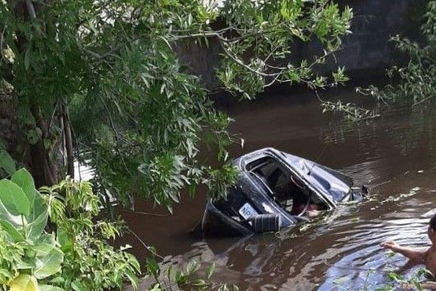 carro - TRAGÉDIA: quatro pessoas morrem em acidente de carro no Sertão da Paraíba