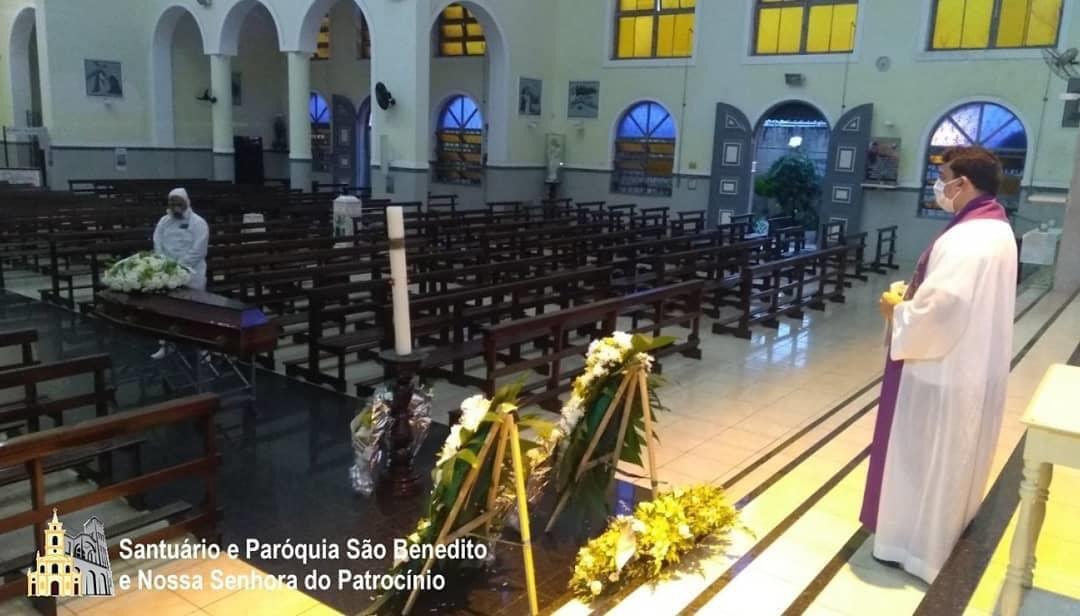 cd860f34 5332 433e 985e 1aa4e8a0e8da - Funeral de dom Aldo Pagotto é realizado com caixão lacrado e sem a presença de fiéis - VEJA IMAGENS