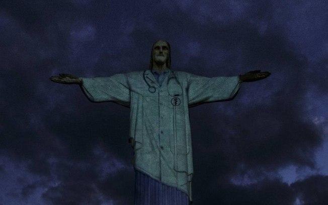dfesfo0pxbnzo2iaq20uvcnun - Cristo Redentor é vestido de médico para homenagear profissionais de saúde