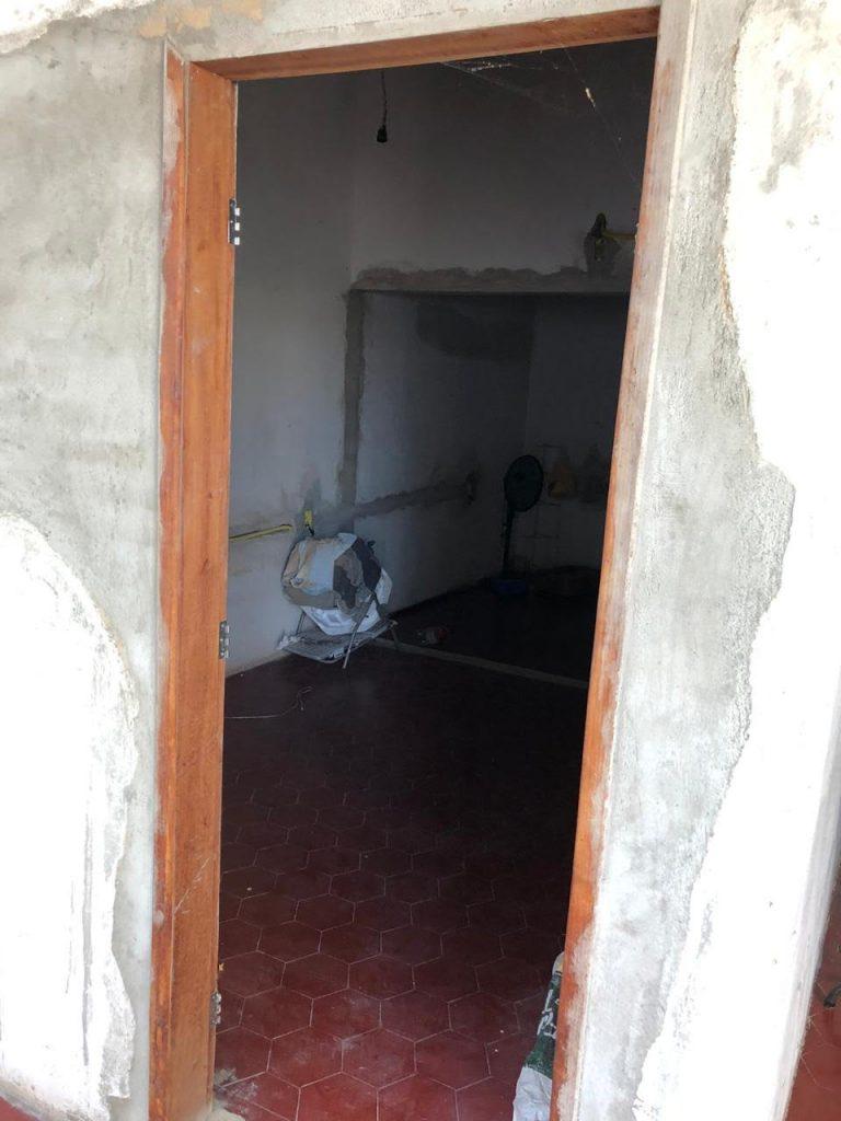 empresa 1 768x1024 1 - Fotos mostram cenário de 'abandono' em empresa que fornecia livros para prefeitura da Paraíba