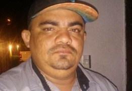 CRIME BRUTAL: Homem é assassinado com 20 tiros e tem faca cravada nas costas em João Pessoa; VEJA VÍDEO