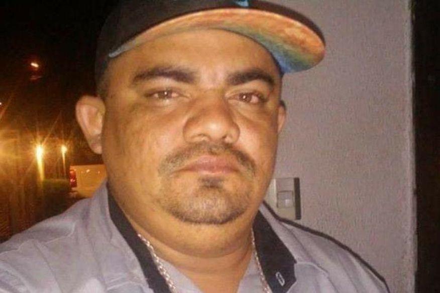 evaldo coroa - CRIME BRUTAL: Homem é assassinado com 20 tiros e tem faca cravada nas costas em João Pessoa; VEJA VÍDEO