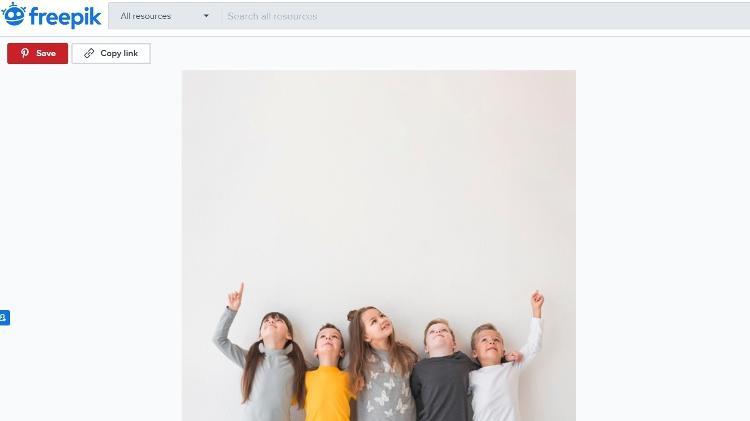 foto de criancas no banco de imagens freepik - Governo Federal usa imagem só com crianças brancas em material de novo programa