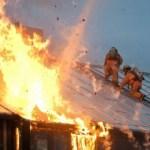 incendio - Casa é atingida por incêndio durante a madrugada, em Campina Grande