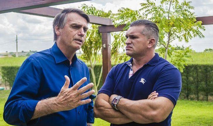 julian lemos e1512043808226 728x430 1 - Julian Lemos revela que se sente traído por Bolsonaro e afirma que Carlos possui problemas psicológicos