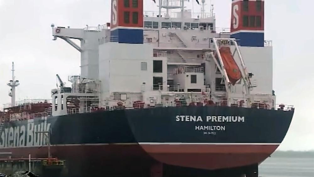 navio stena premium - Tripulante com Covid-19 que estava isolado em navio é transferido para hospital, na PB