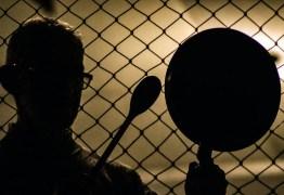 Demissão de Mandetta provoca panelaços contra Bolsonaro em diferentes pontos do país – VEJA VÍDEOS