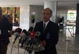 Conselho Federal de Medicina diz a Bolsonaro que não há evidência de benefício da Cloroquina, mas autoriza prescrição por médicos