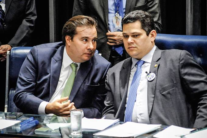 rodrigo maia davi alcolumbcre 2019 11 2.jpg - João Azevêdo assina carta de governadores em apoio a Rodrigo Maia e Davi Alcolumbre; LEIA