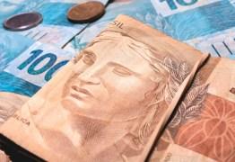 Lei que cria auxílio de R$ 600 a informais é publicada no 'Diário Oficial da União'
