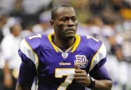 Tarvaris Jackson, vencedor do Super Bowl, morre aos 36 anos