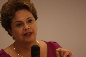 xA ex presidente Dilma Rousseff.jpg.pagespeed.ic .2hiREca4JP - Incapaz, Bolsonaro quer atribuir morte e fome aos governadores, diz Dilma