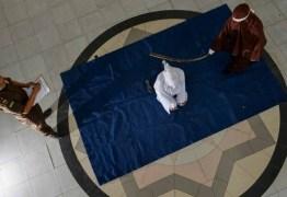Mesmo em quarentena, Indonésia realiza punições em público